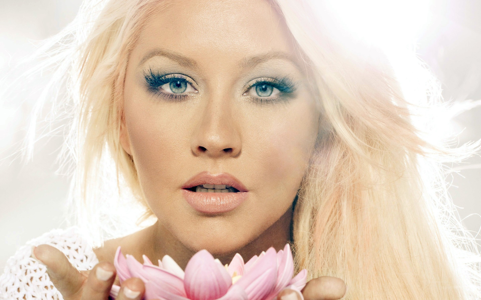 Christina Aguilera Wallpaper HD Desktop 1920x1200
