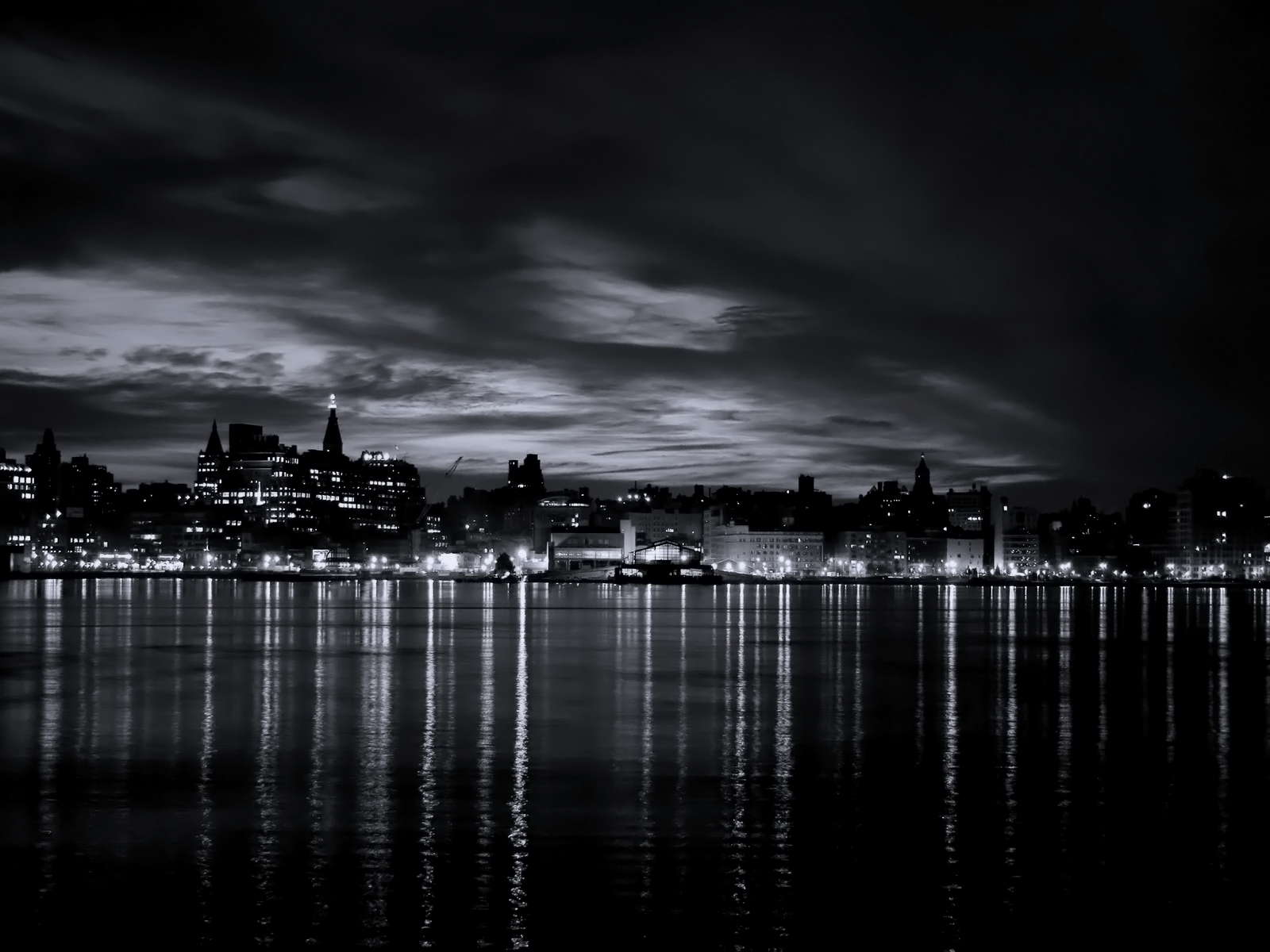 Black and White River City Light wallpaper 1600x1200