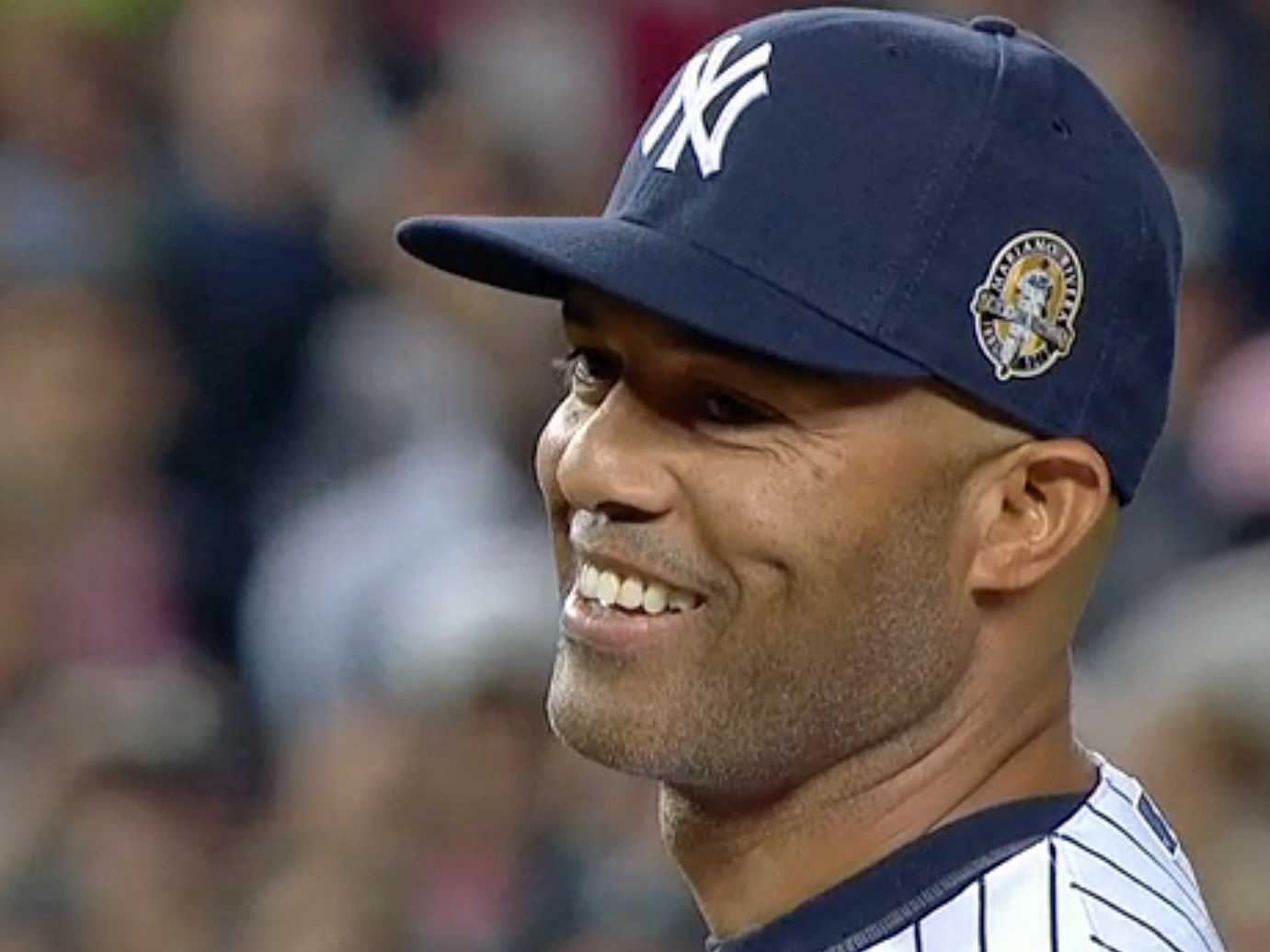 Mariano Rivera's Final Yankee Stadium Appearance In One GIF ...