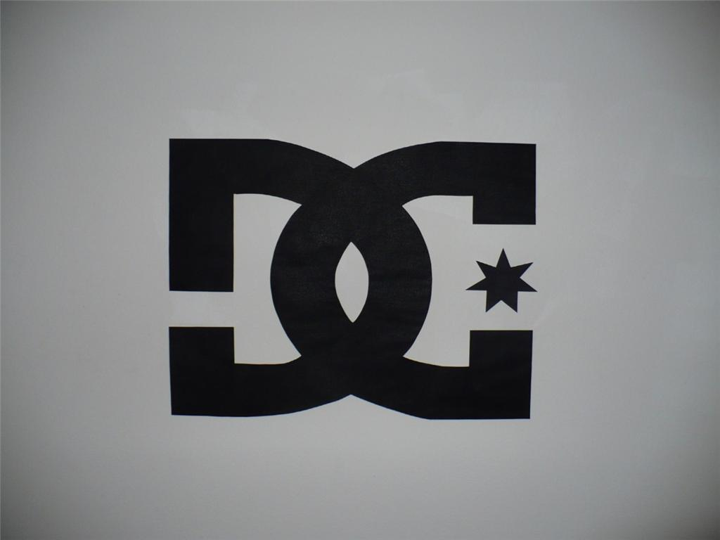 Free Download Dc Shoes Logo Wallpaper Mural Ebay 1024x768