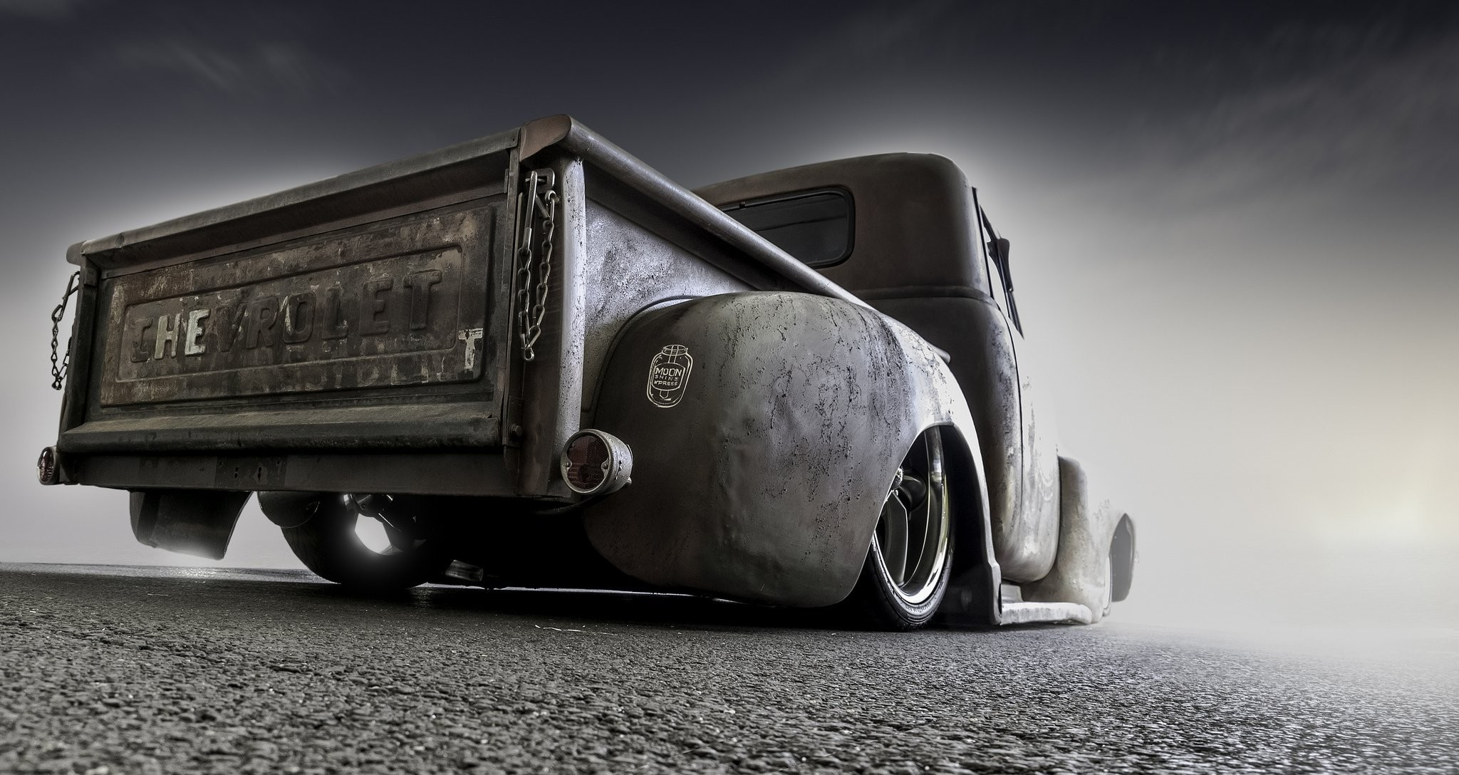 Old Trucks Wallpapers 2048x1088