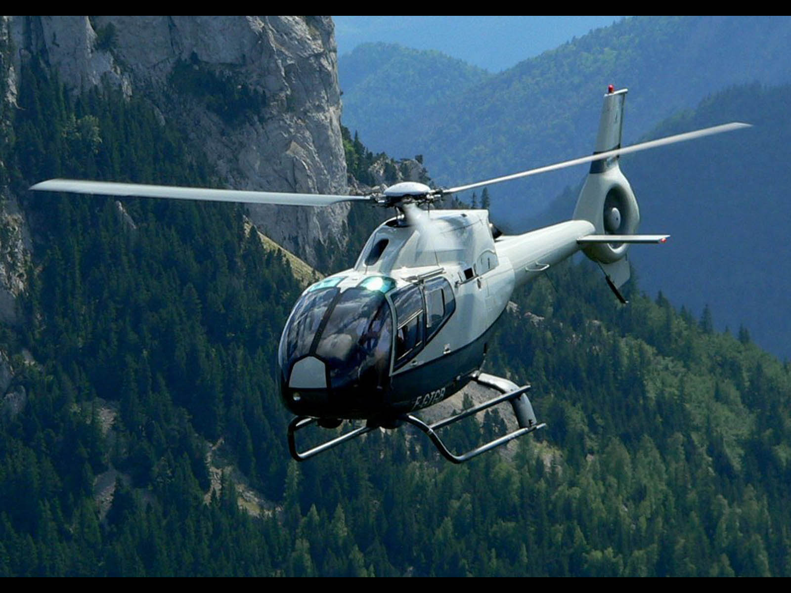 wallpapers Eurocopter EC 120 1600x1200