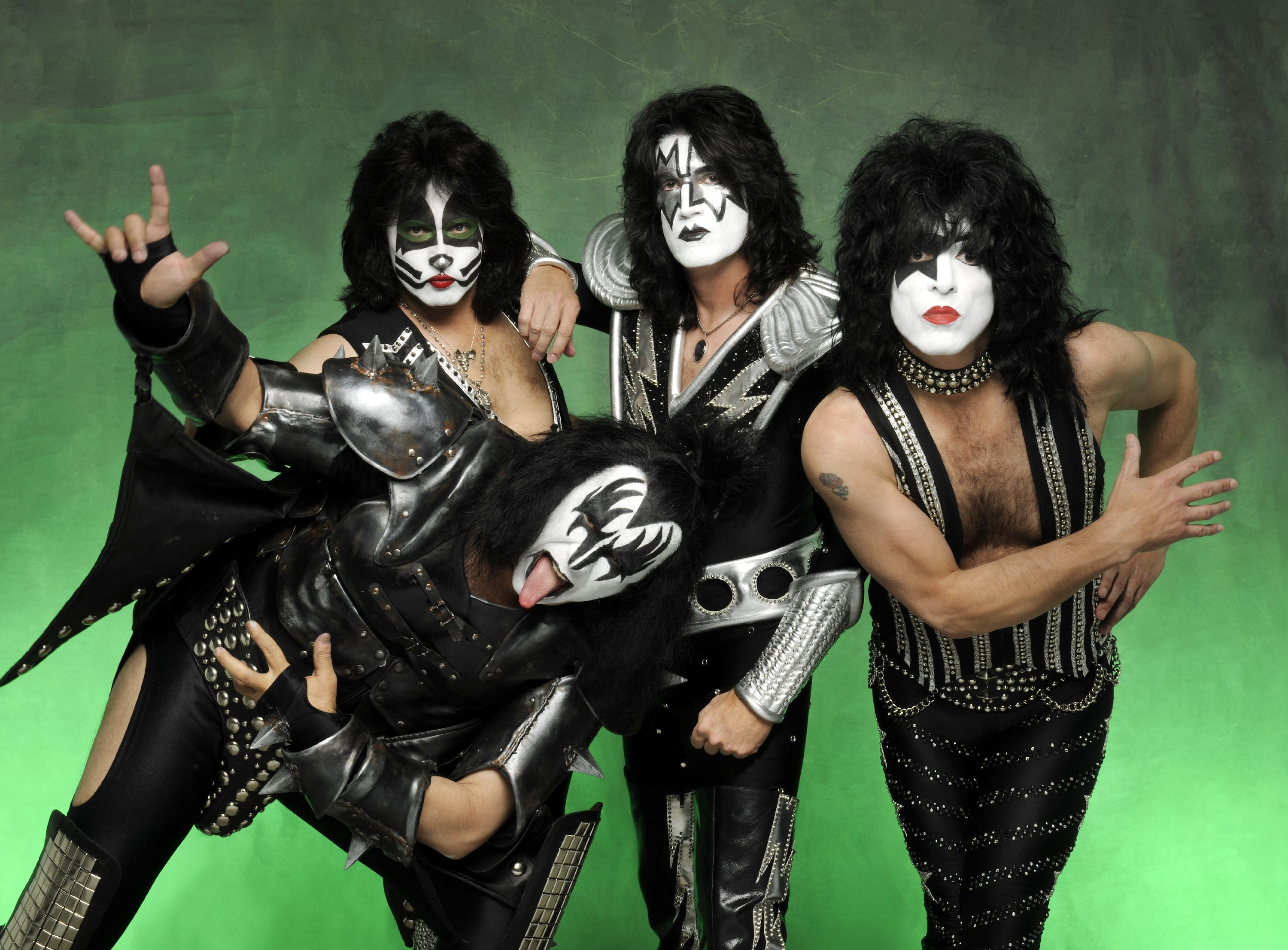 ROCK BAND KISS JOIN FORCES TO BRING FANS A FIRST OF ITS KIND LIVE 3000x2212