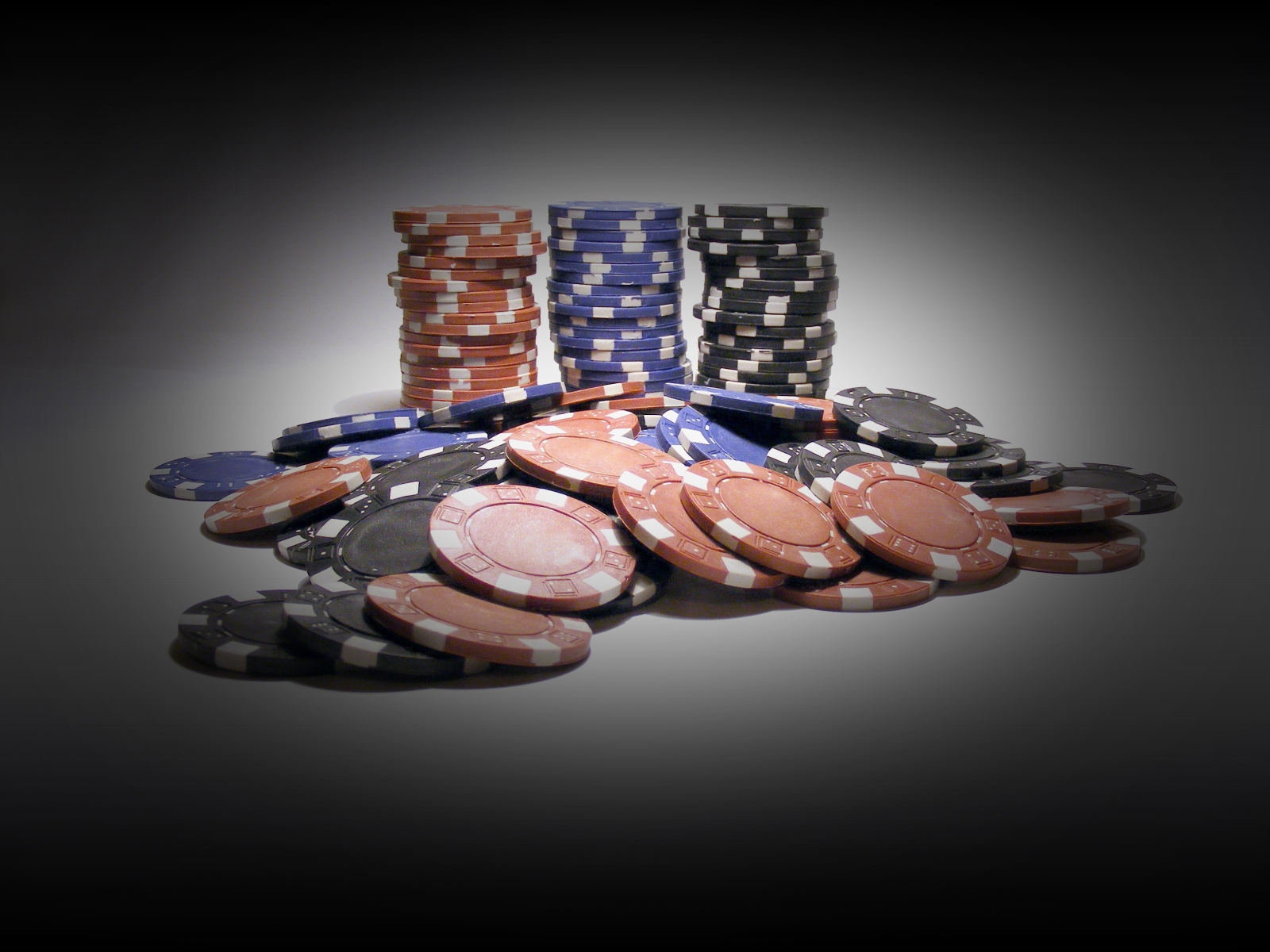 Download Wallpaper Poker Chips in der Auflsung 1920 x 1200 1600x1200