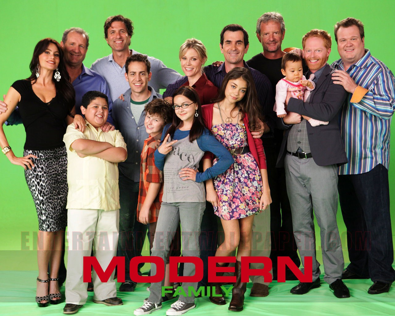 modern family wallpapers modern family pictures modern family photos 1280x1024