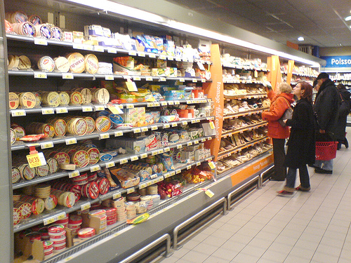 Grocery Store Aisle 500x375