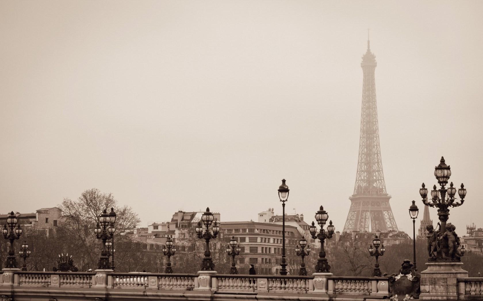 Eiffel Tower Paris France 1680 x 1050 Download Close 1680x1050