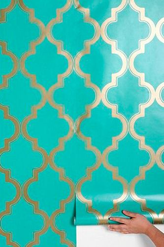 Gorgeous and glamorous Moroccan inspired wallpaper for your closet 333x500