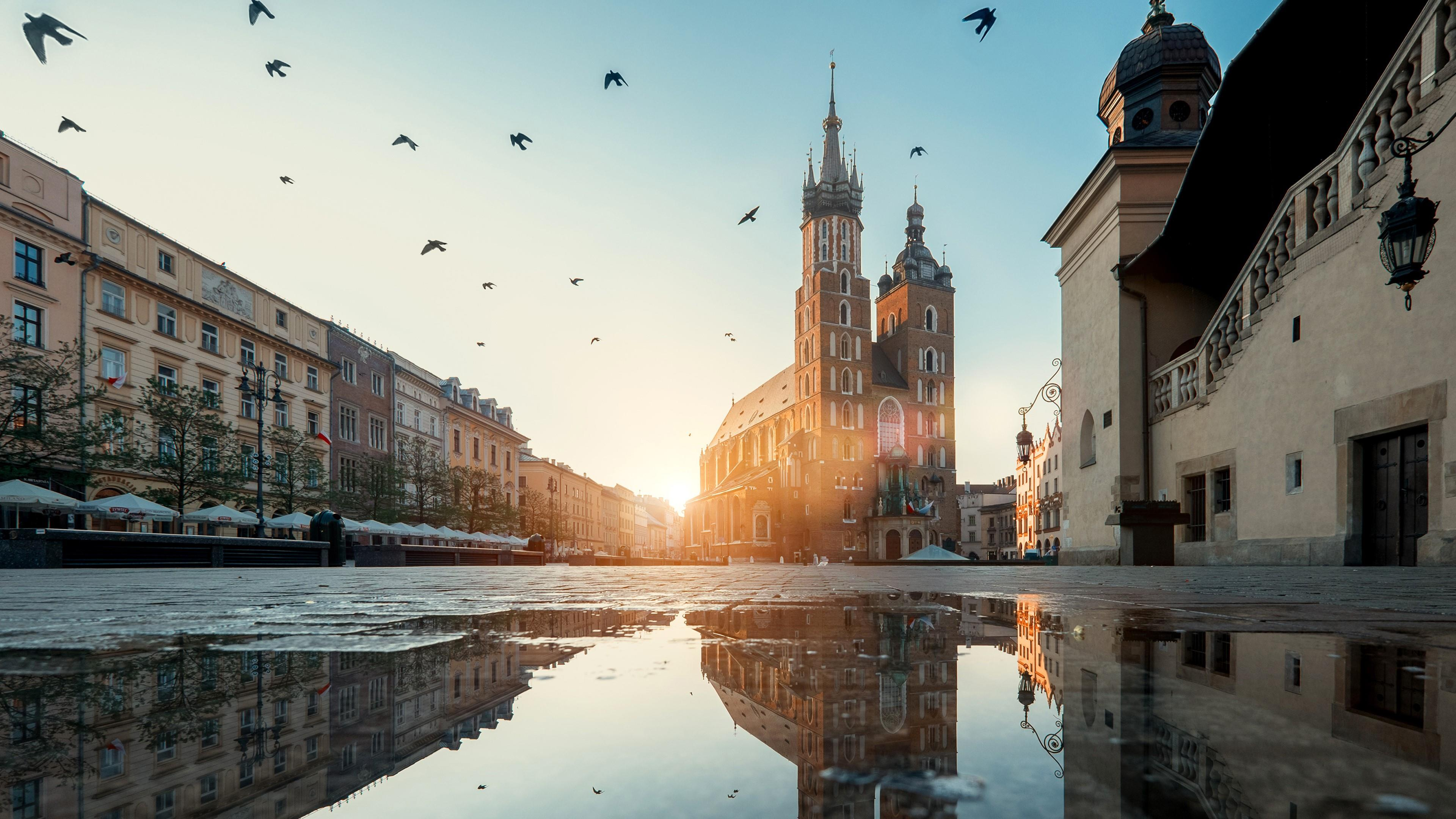 St Marys Basilica Krakow 4K UltraHD Wallpaper 3840x2160