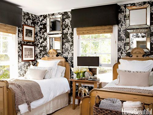 Year Old Farmhouse Goes Modern Floral Wallpapers Modern Farmhouse 500x375