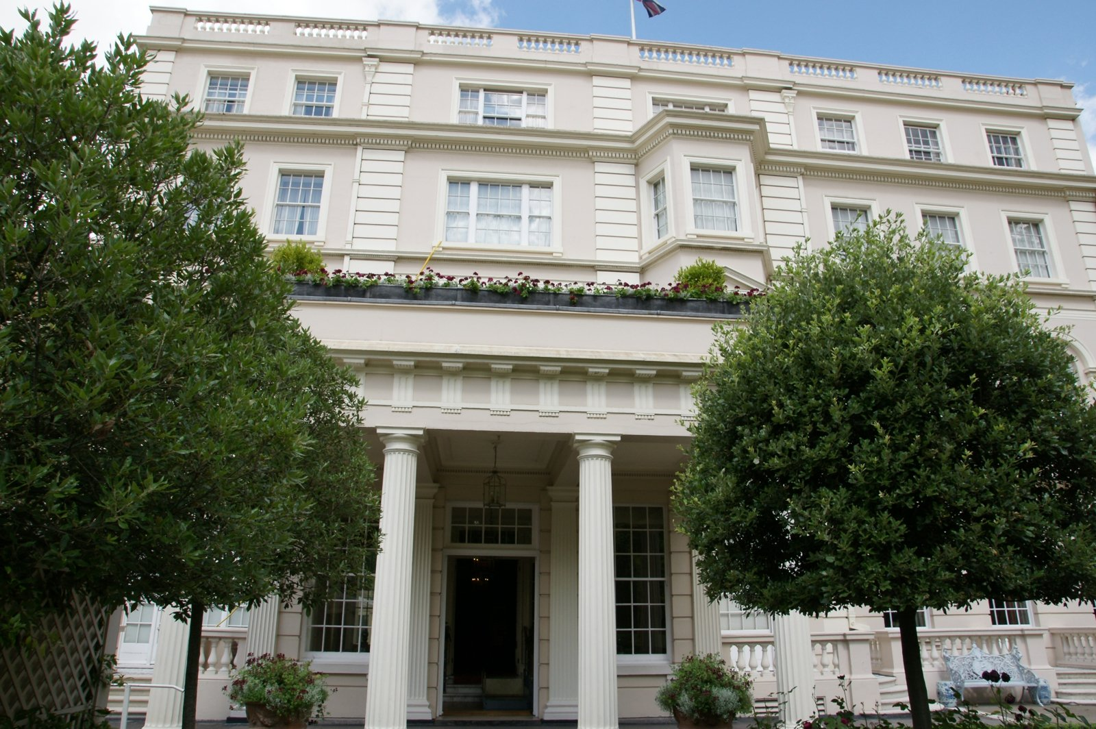 Clarence House London 1600x1064