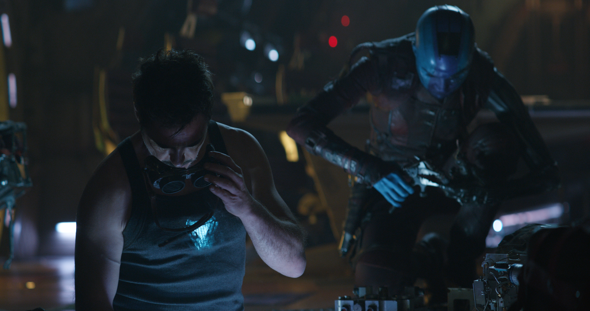 Avengers Endgame Images Tease Emotional Reunions and Team Ups 2048x1080