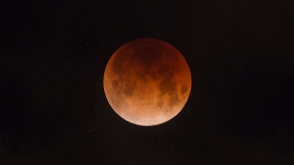Super blood wolf moon to welcome in 2019 with rare celestial 992x558
