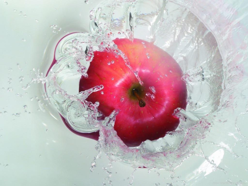 apple fruit images wallpaper 1024x768