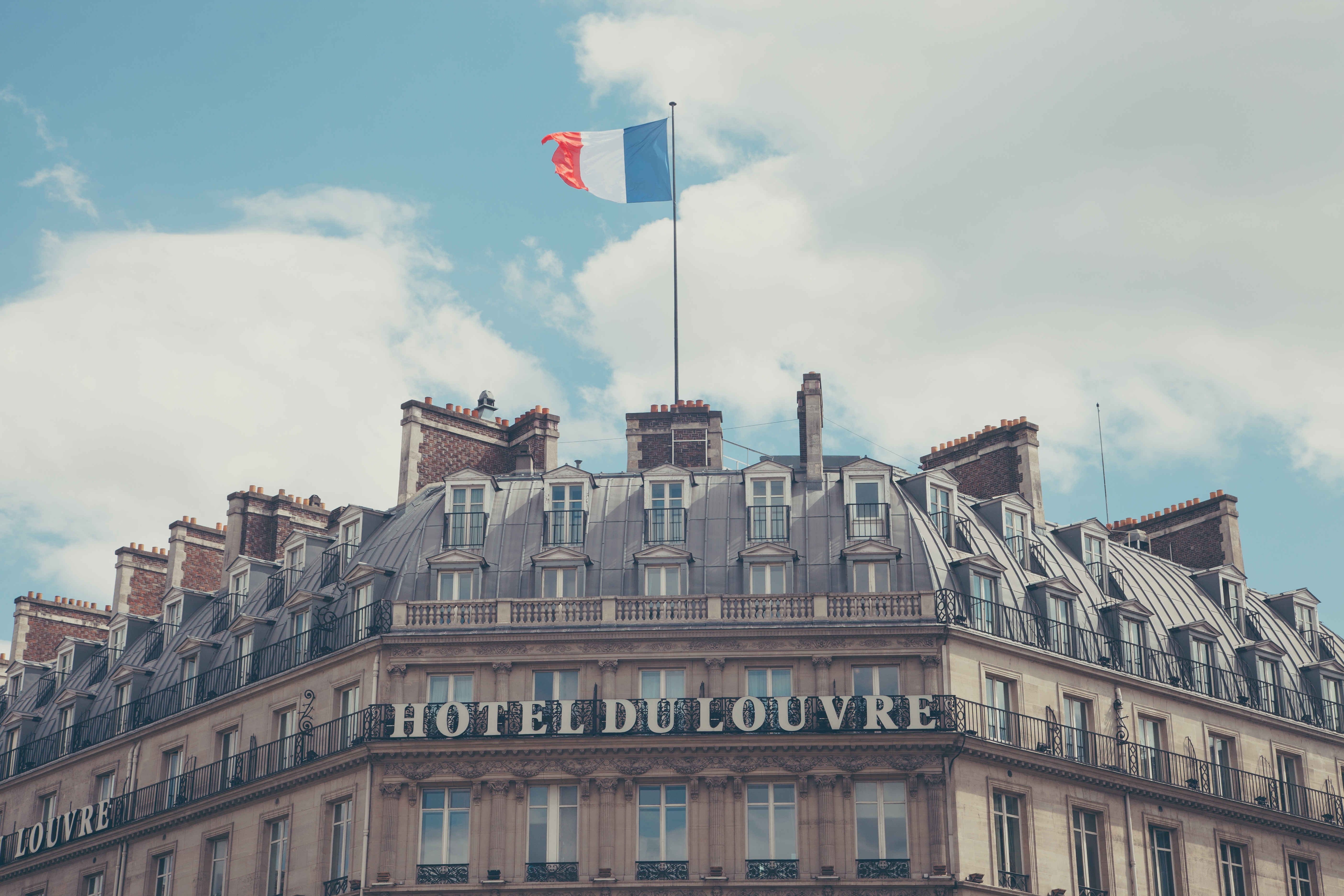 Download wallpaper 5616x3744 paris france hotel hotel du louvre 5616x3744