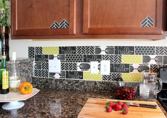 15 Ideas for Removable DIY Kitchen Backsplashes Renters Solutions 540x382