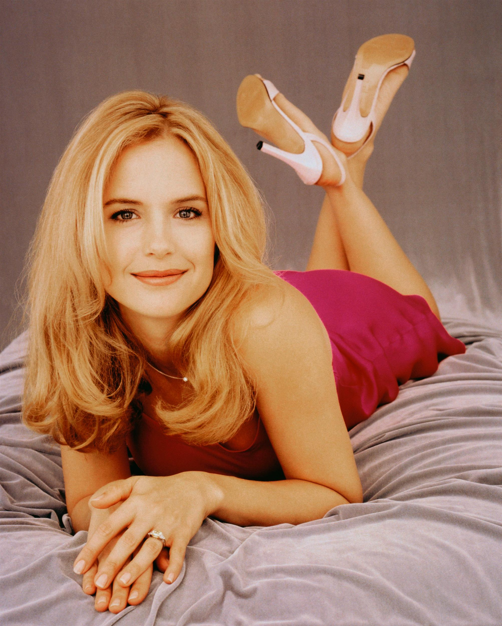 Kelly Preston photo 17 of 44 pics wallpaper   photo 81262 2005x2500