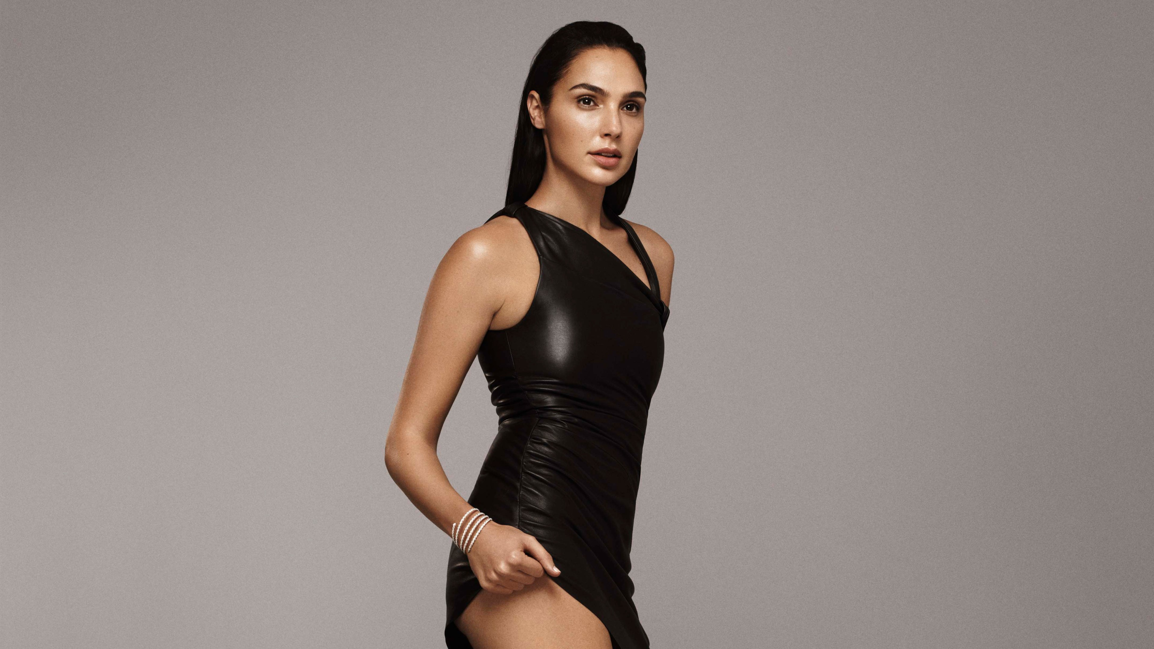 Gal Gadot Hot Elle 2017 4k 2056 Wallpapers and Stock Photos 3840x2160