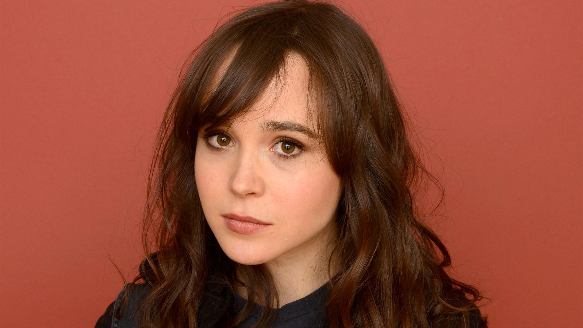 Fashion Ellen Page wallpapers (1069)