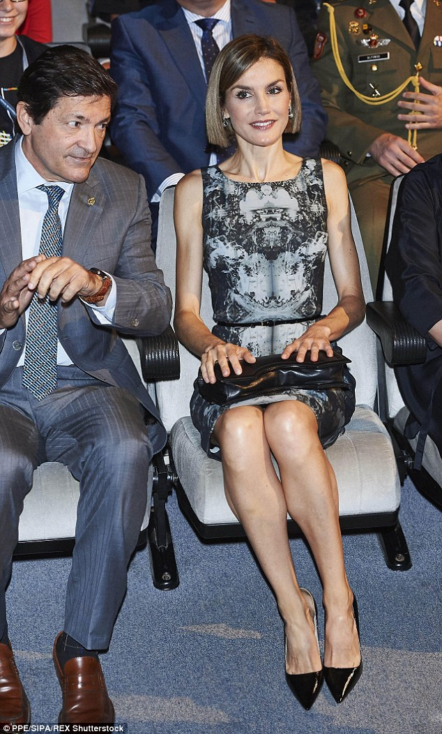 of spain queen letizia of spain photo 803347 0 vote 634x1052