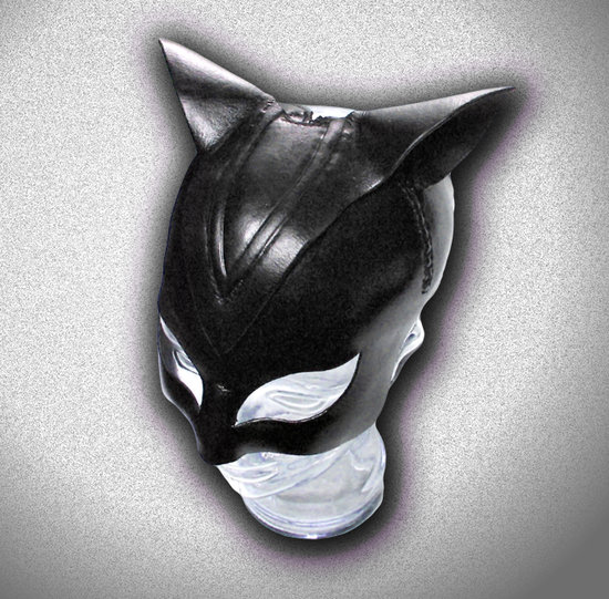 halle berry catwoman mask 550x541