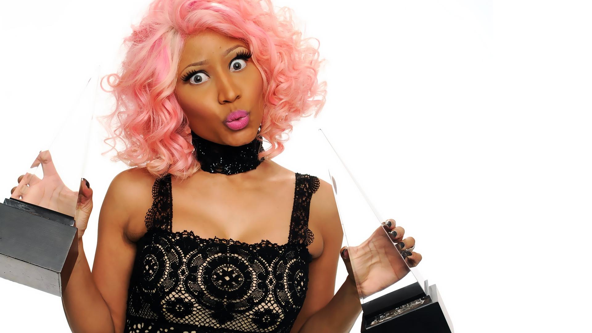 Lebenslauf Nicki Minaj wurde am 8 Dezember 1982 als Onika Tanya Maraj in Saint James einem Stadtteil von Port of Spain im karibischen Inselstaat Trinidad und