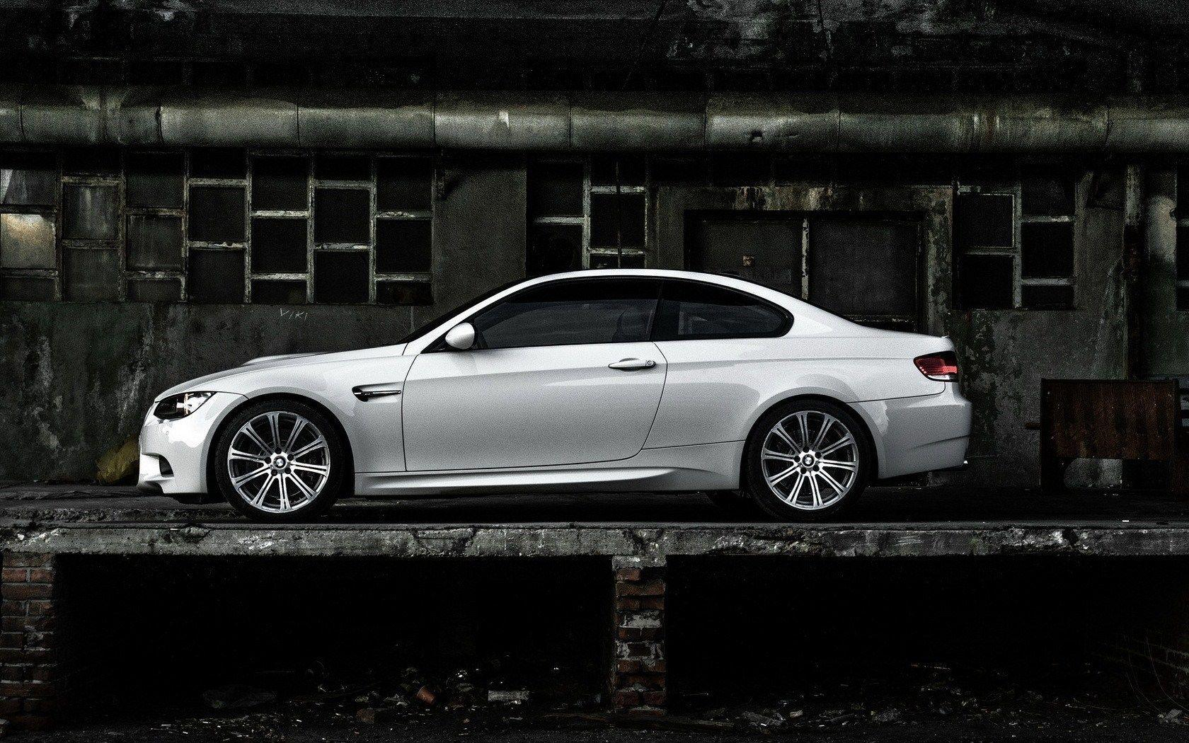 BMW M3 Wallpapers 1680x1050