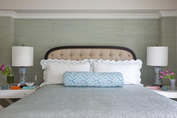 Grasscloth Wallpaper Transitional bedroom Benjamin Moore Baby Fawn 740x493