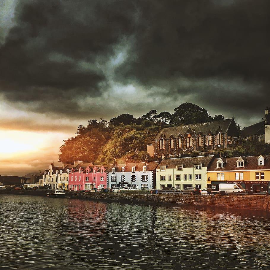 HD wallpaper houses near body of water Portree Scotland 910x910