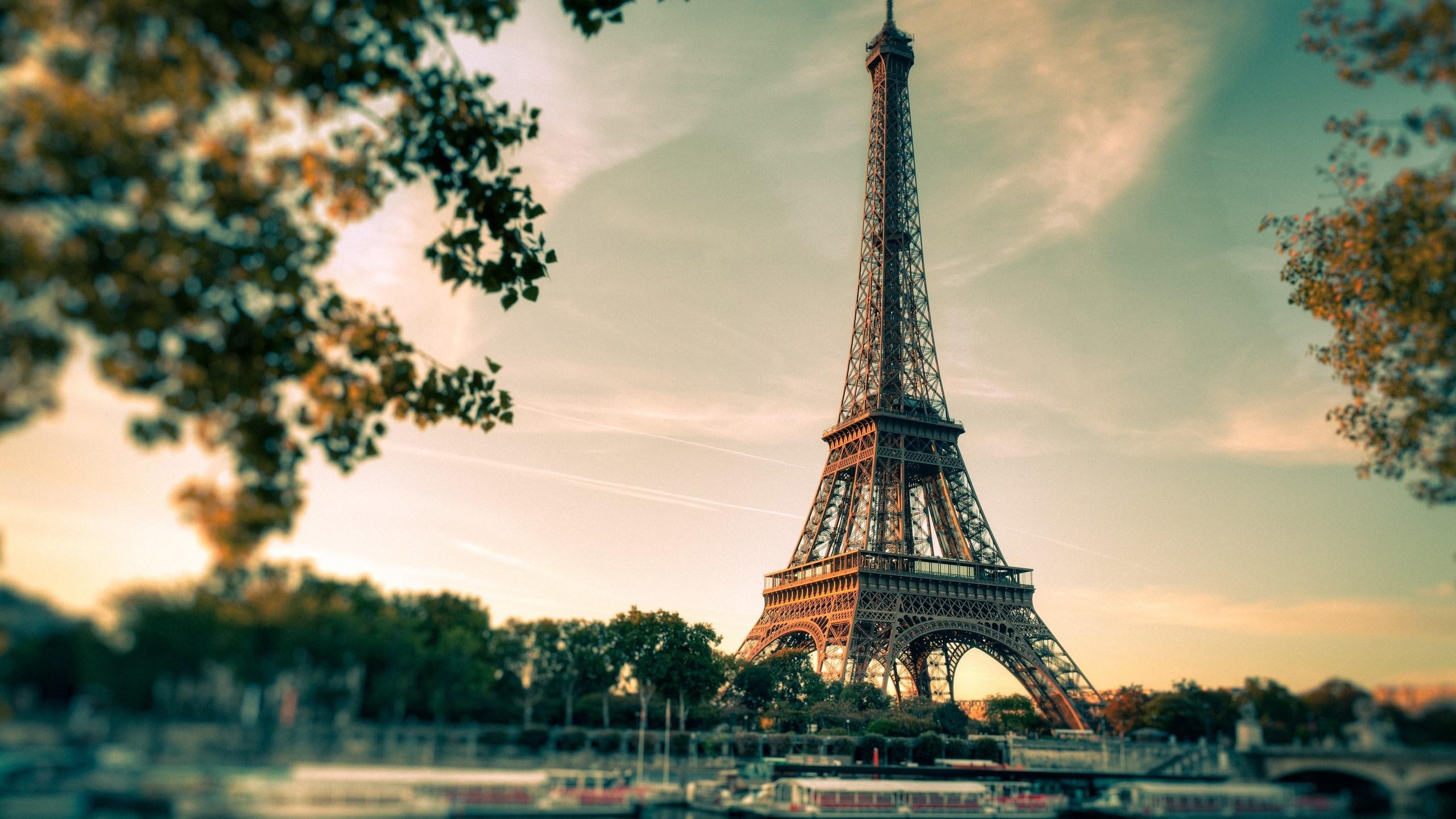 Eiffel Tower Paris City Wallpaper PC 7106 Wallpaper High Resolution 2560x1440