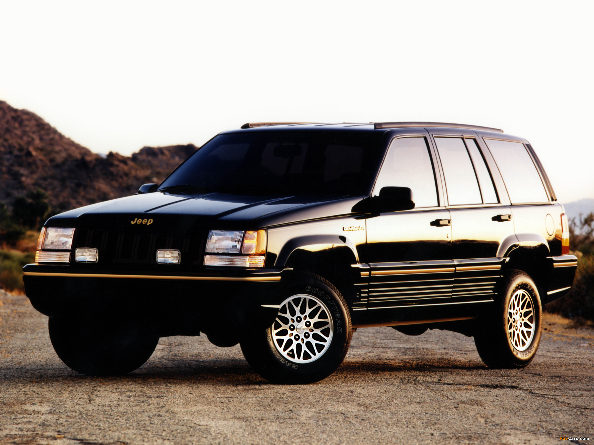 Jeep Grand Cherokee Limited ZJ 199396 wallpapers 2048x1536