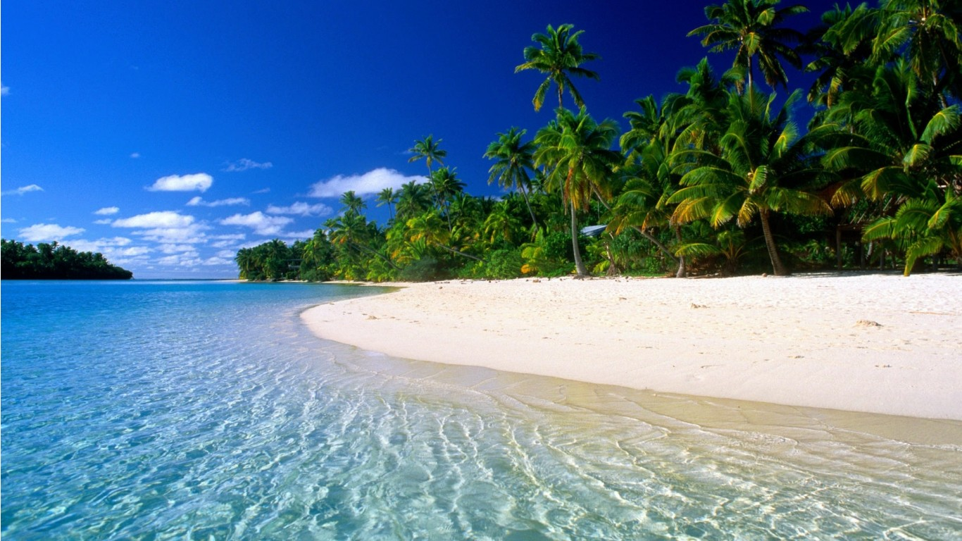 top 10 amazing paradise beach desktop hd wallpapers 1366x768