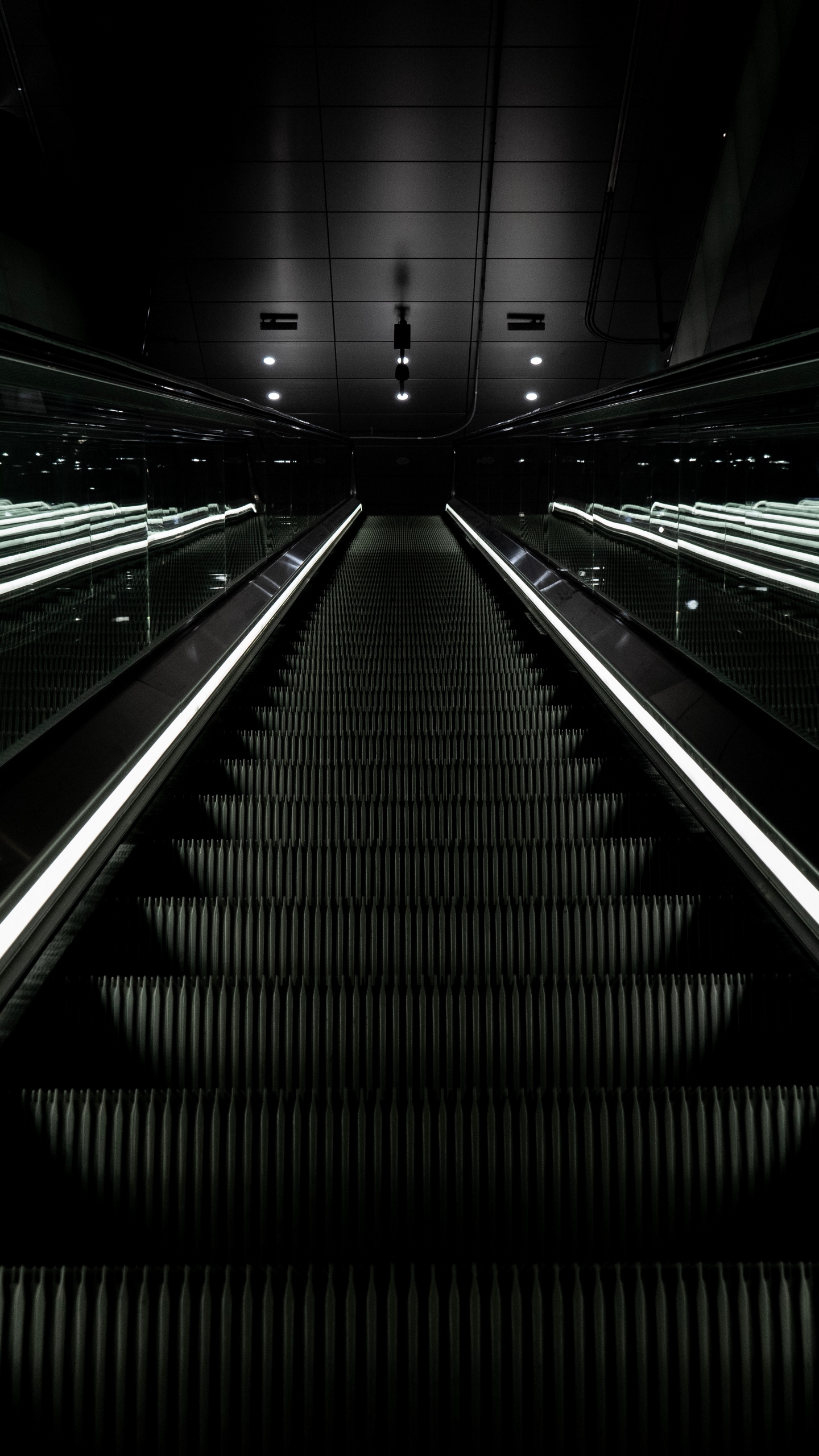 Download wallpaper 1440x2560 escalator stairs dark descent qhd 1440x2560