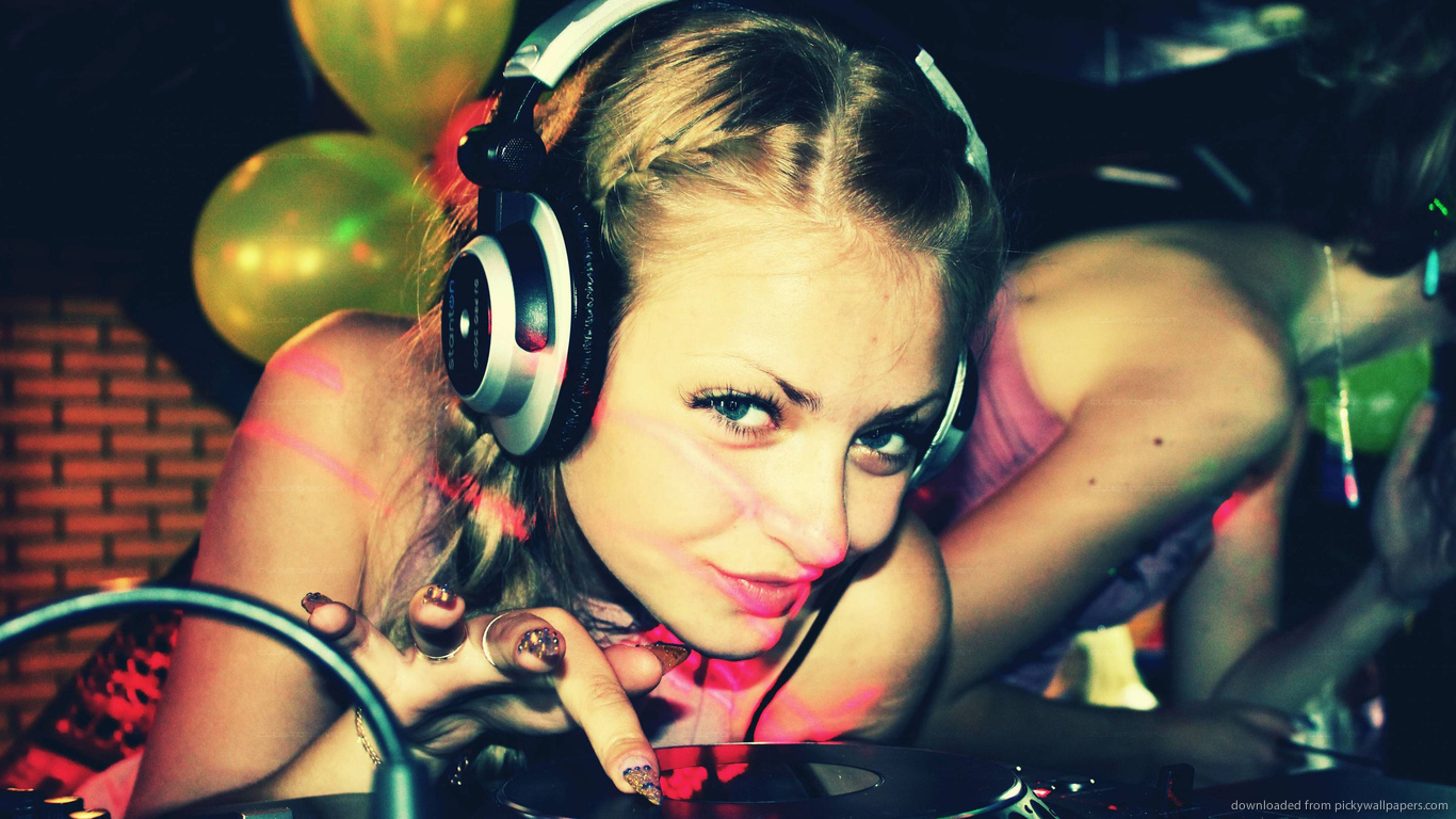 Download 1366x768 Russian DJ Girl Wallpaper 1366x768