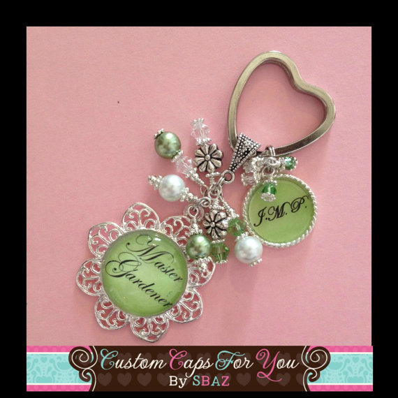 PERSONALIZED Pastel Green Background Name or Initial Flower Bezel With 570x570