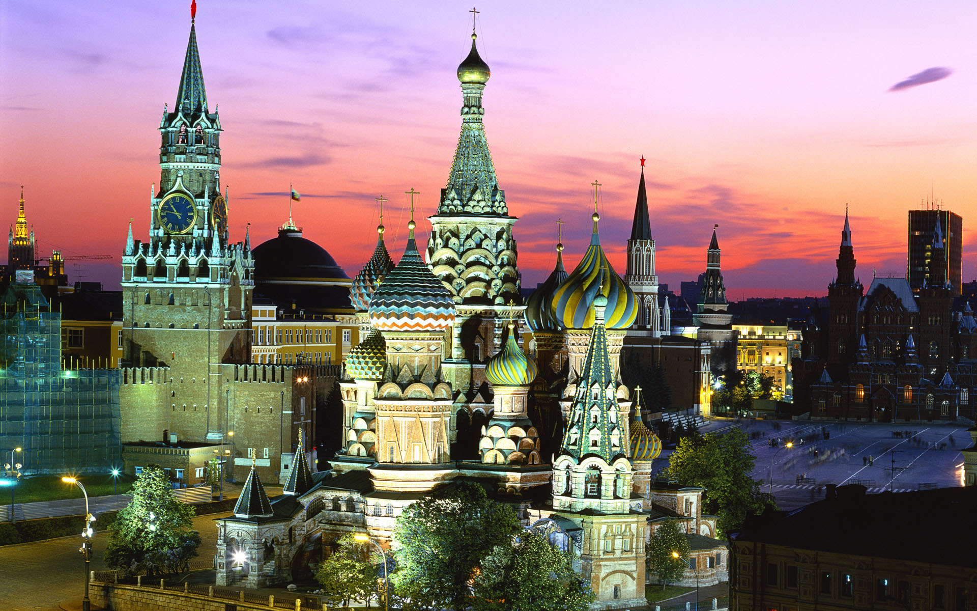 moscow russia 1920x1200 16 10 back to wallpaper back home 1920x1200
