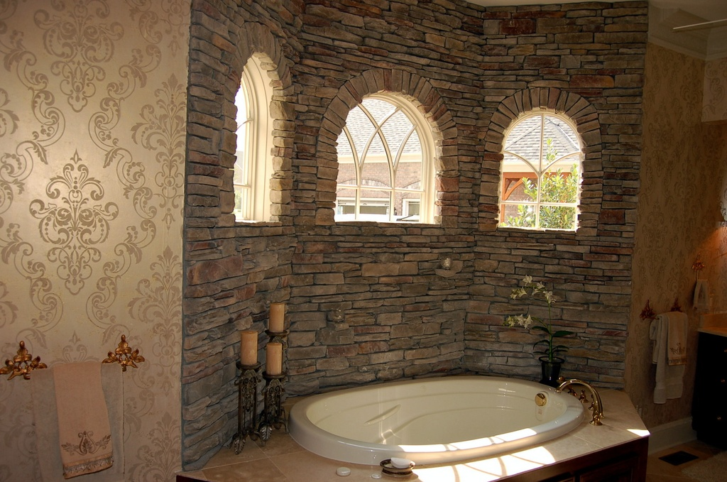 Traditional Master Bathroom with Mirage 993 59451 mercutio damask 1024x679