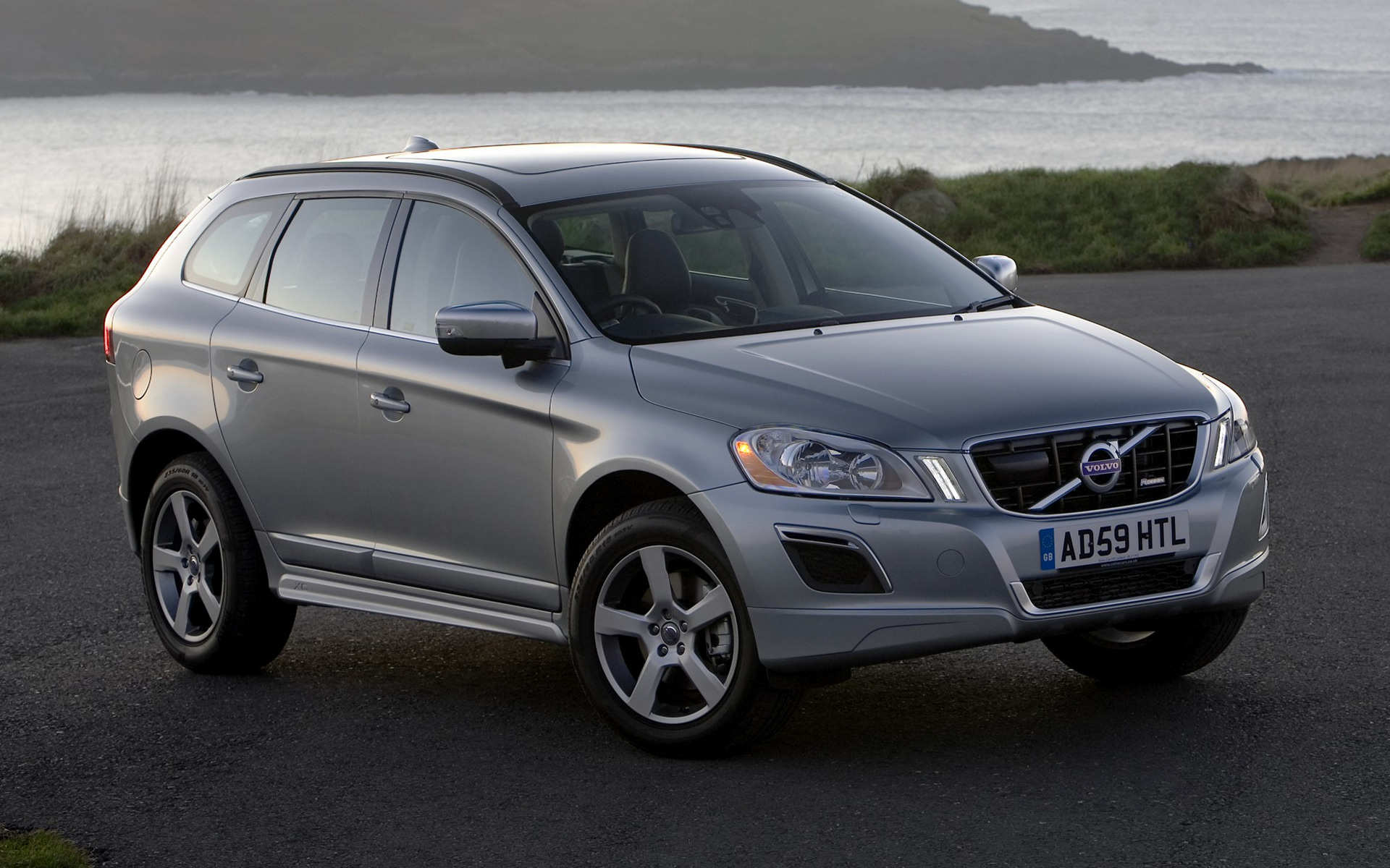 Volvo XC60 R Design 2009 UK Wallpapers and HD Images 1920x1200