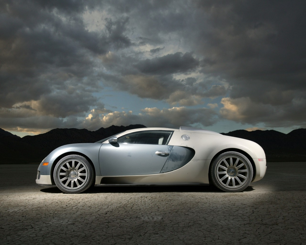 bugatti veyron wallpaper 1280x1024 wallpapersafari. Black Bedroom Furniture Sets. Home Design Ideas