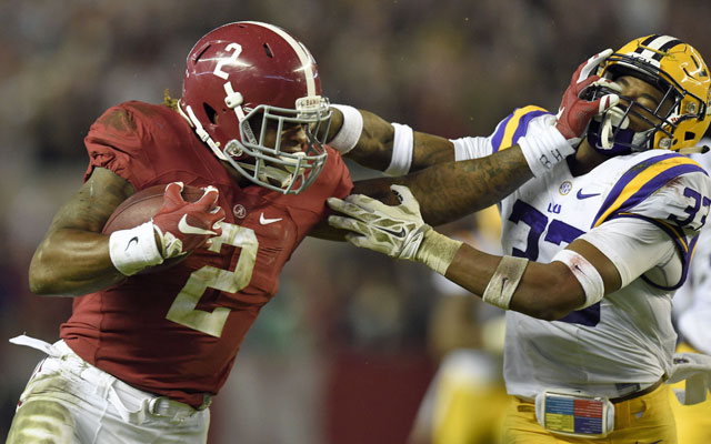 Derrick Henry powered his way to the 2015 Heisman Trophy USATSI 640x400