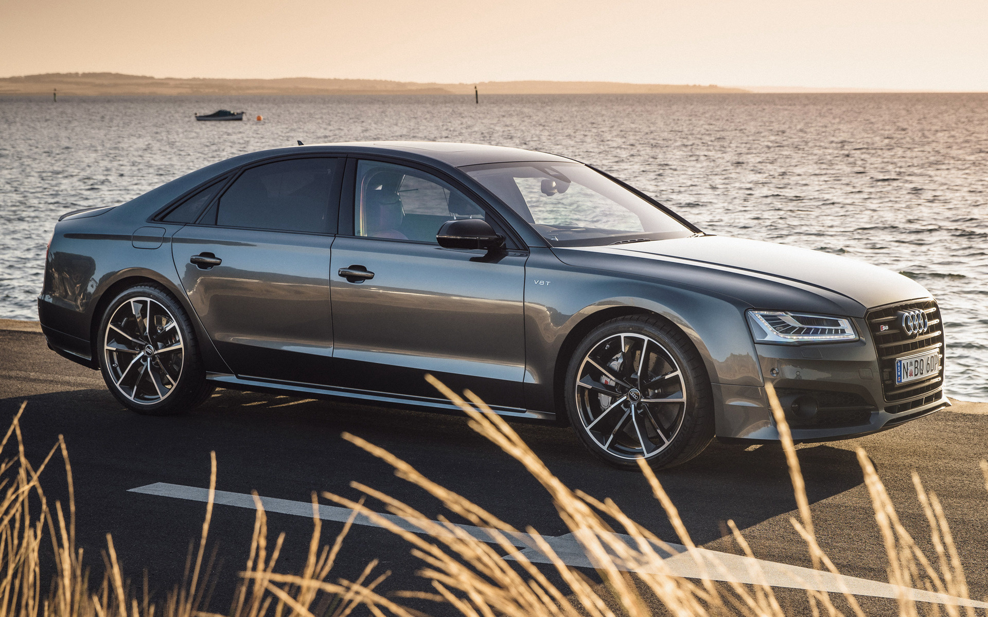 Audi S8 Wallpapers 39VAUW7 1920x1200 WallpapersExpertcom 1920x1200
