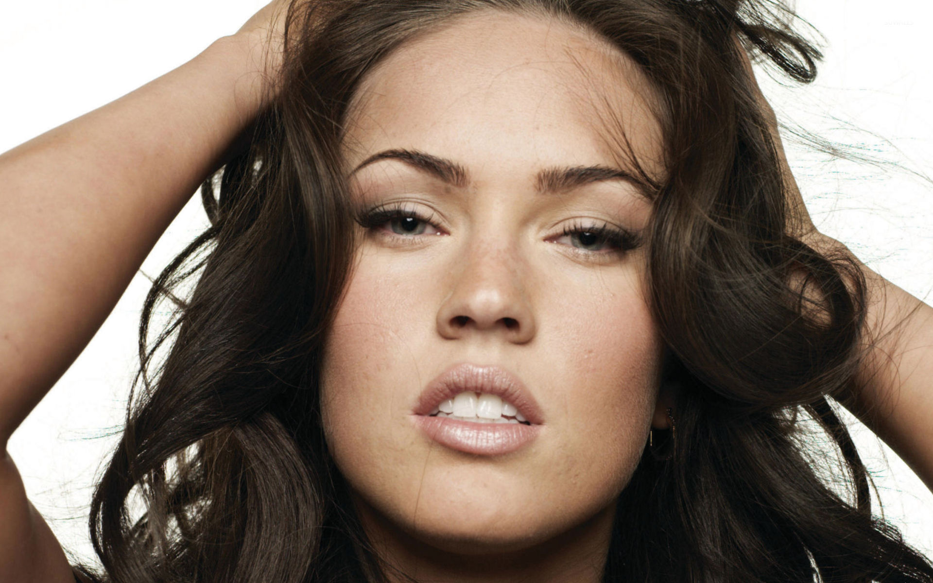 Megan Fox wallpaper 1680x1050 1680x1050