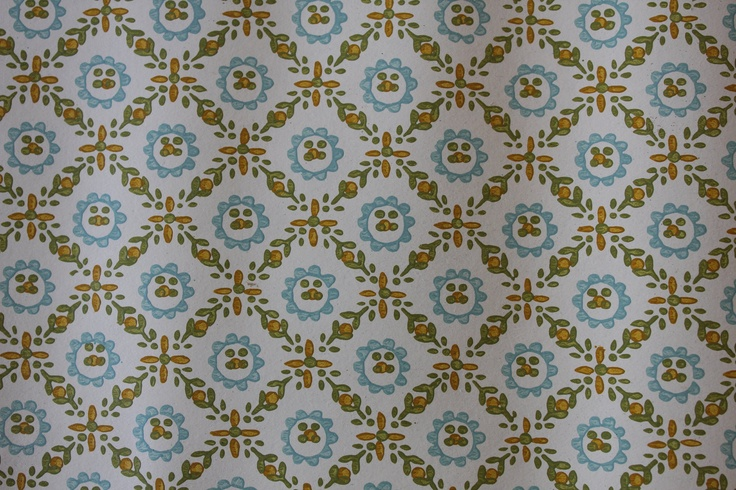 Vintage Wallpaper   by the yard   1970s Diamond Leaf Pattern 500 736x490