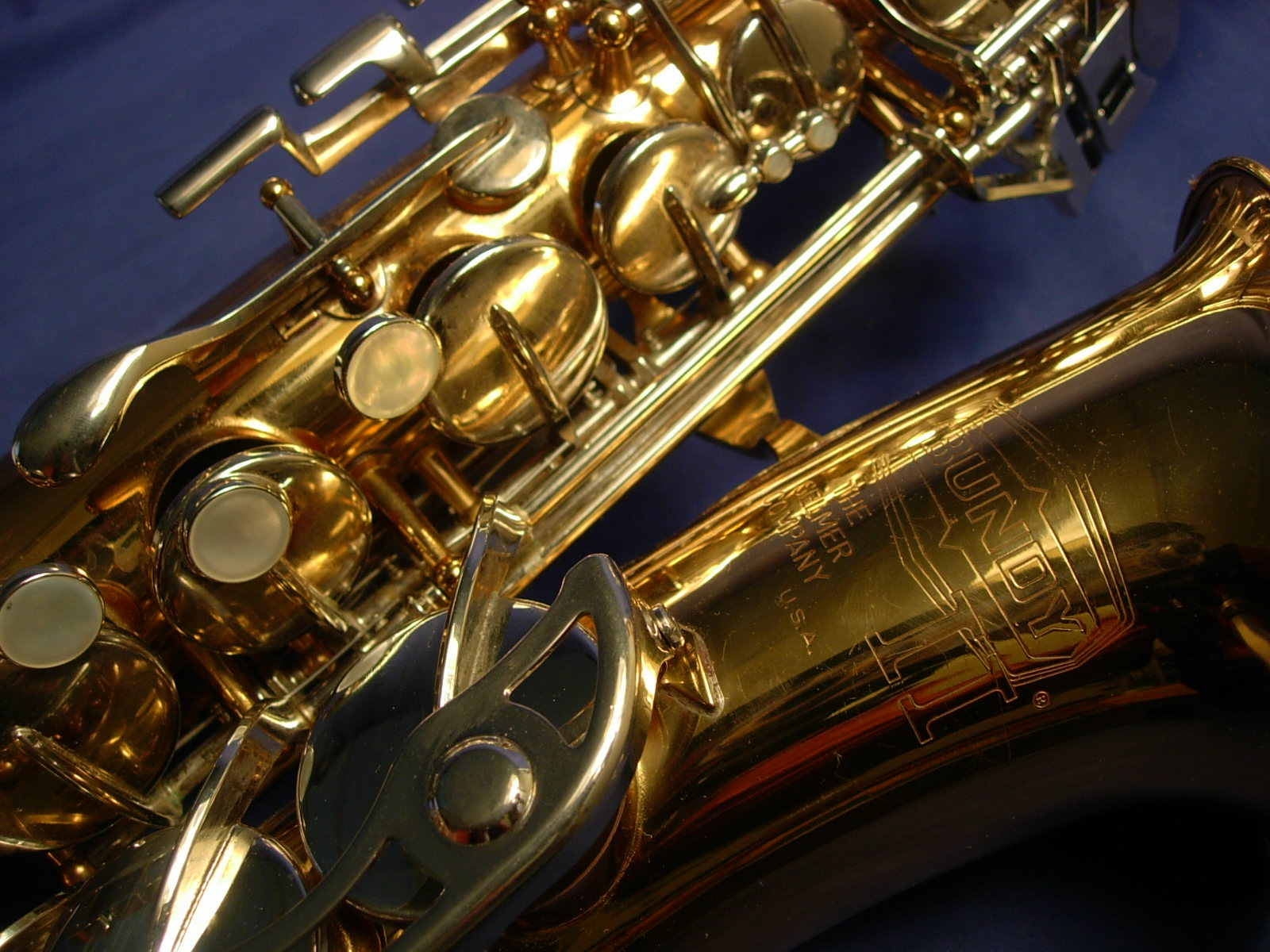 Alto Saxophone Wallpaper Bundy ii alto sax 1600x1200