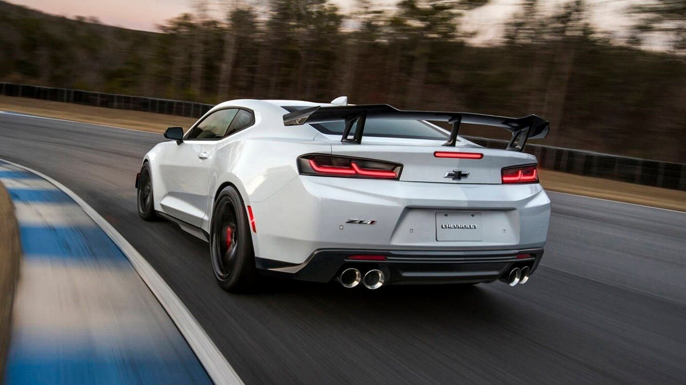 Chevrolet 2020 Chevy Camaro Zl1 1Le First Look 2020 Chevy 1334x750