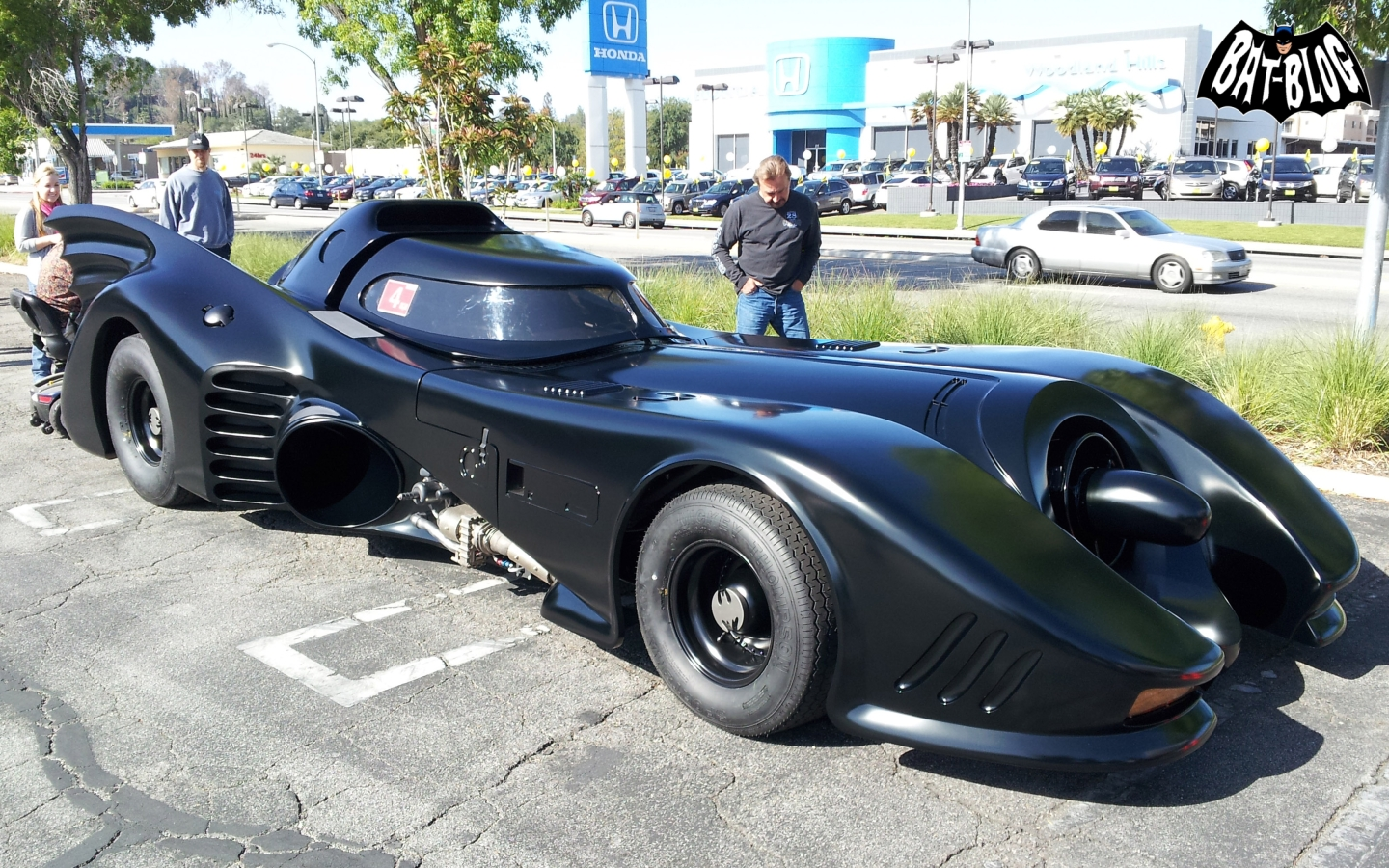 PHOTOS   1989 BATMAN MOVIE BATMOBILE CAR   Wacky Wallpaper Wednesday 1440x900