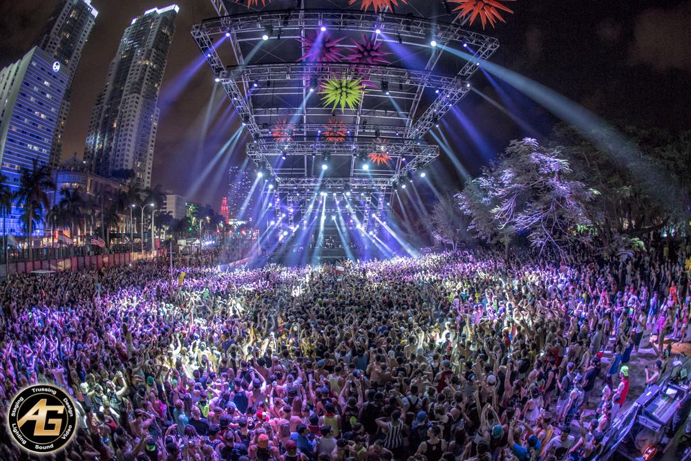 [45+] EDM Festival Wal...