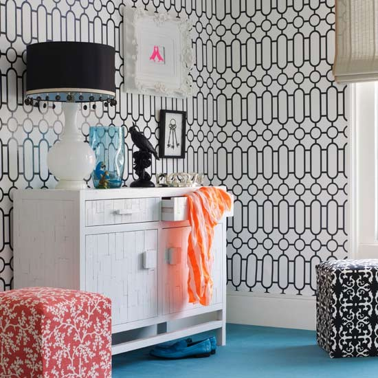Graphic print wallpaper Bedroom ideas for teenage girls Decorating 550x550