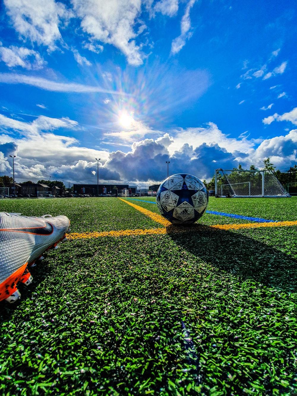Football Wallpapers HD Download [500 HQ] Unsplash 1000x1333