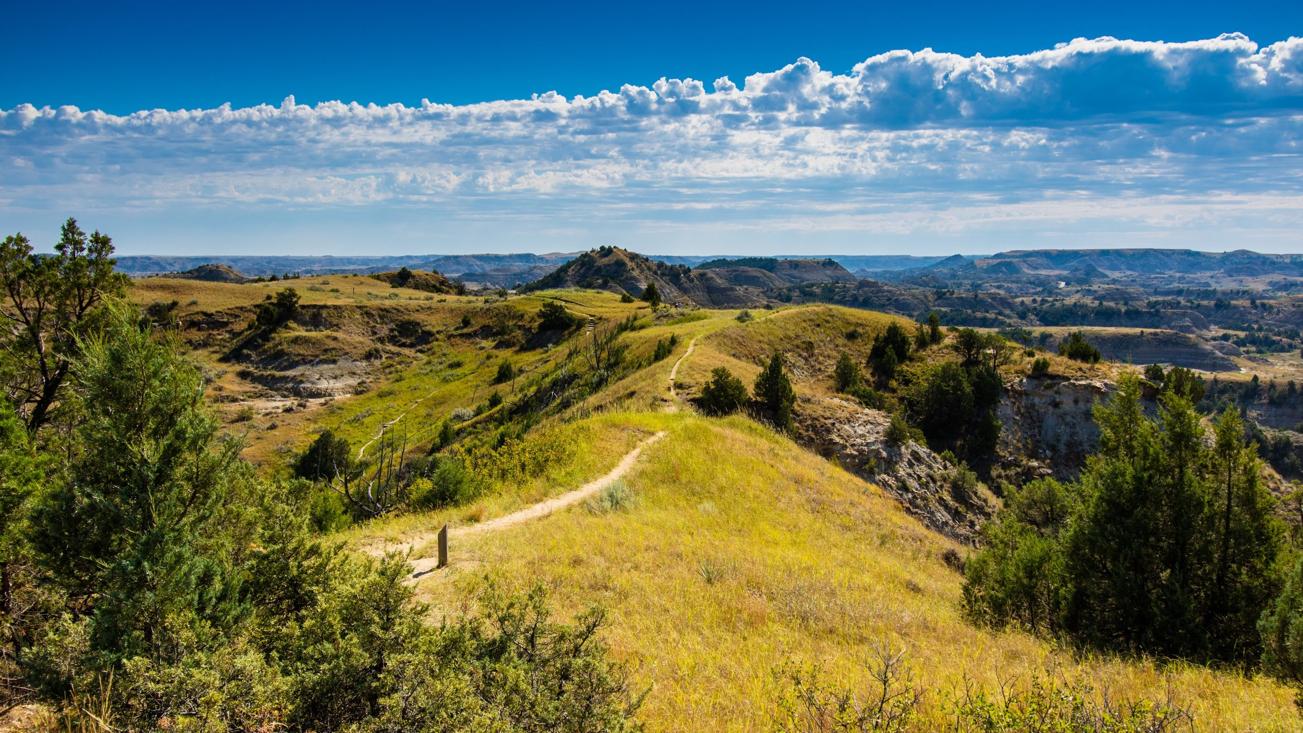 10 Best Hotels Closest to Theodore Roosevelt National Park in 2560x1440